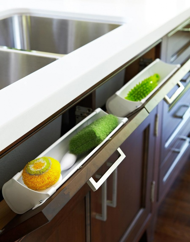 13918460-R3L8T8D-650-main_Kitchen-Details-1