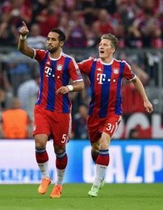 mehdi-benatia-goal-celebration-with-bastian-schweinsteiger
