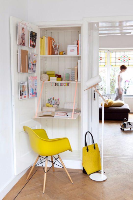 closet-folding-desk-Space-Saving-Hideaway-Desks-for-Small-Apartment-Designs1