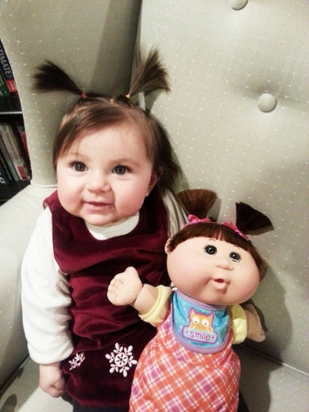 17548860-R3L8T8D-650-babies-and-look-alike-dolls-7__605
