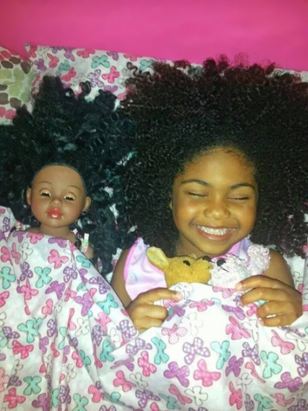 17552760-R3L8T8D-650-babies-and-look-alike-dolls-5__605