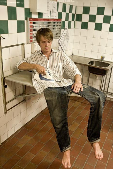 impossible-photo-manipulation-image-editing-ironing