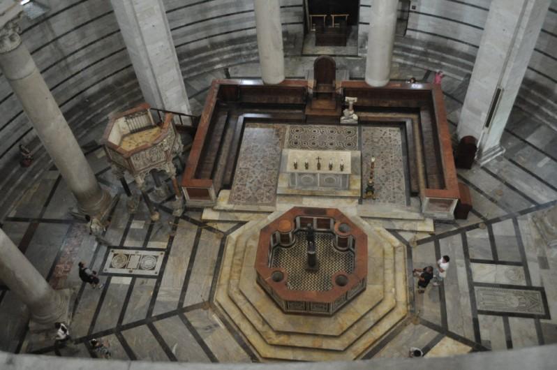tower-of-pisa-inside