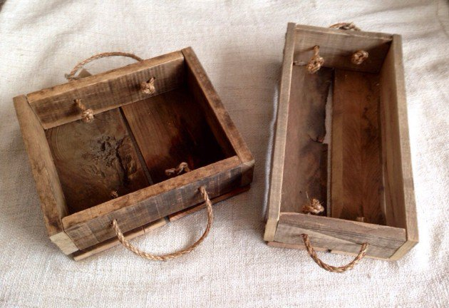 Reclaimed wood tray with rope handles