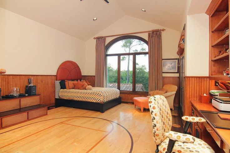 Simple-Steps-to-Consider-For-an-Inspiring-Basketball-Themed-Bedroom-homesthetics-decor-1