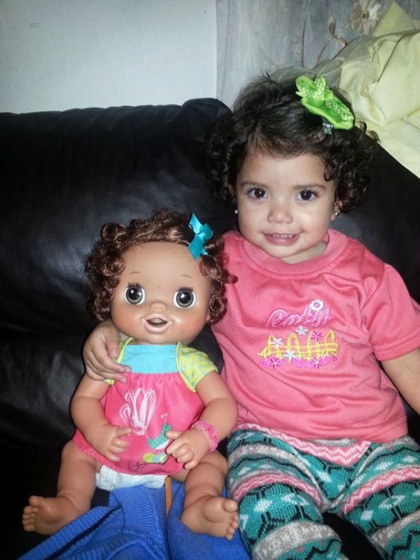 17551960-R3L8T8D-650-babies-and-look-alike-dolls-14__605